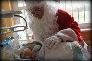 Święty Mikołaj odwiedził oddziały szpitalne